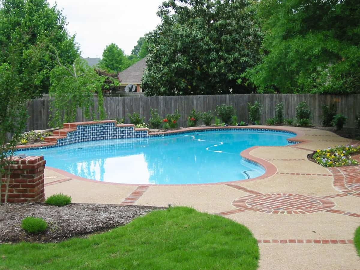 Swimming pool ideas custom in ground swimming pools memphis for Garden spas pool germantown tn